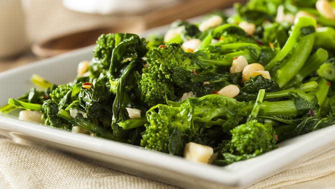 ilustrasi tumis brokoli/copyright Shutterstock