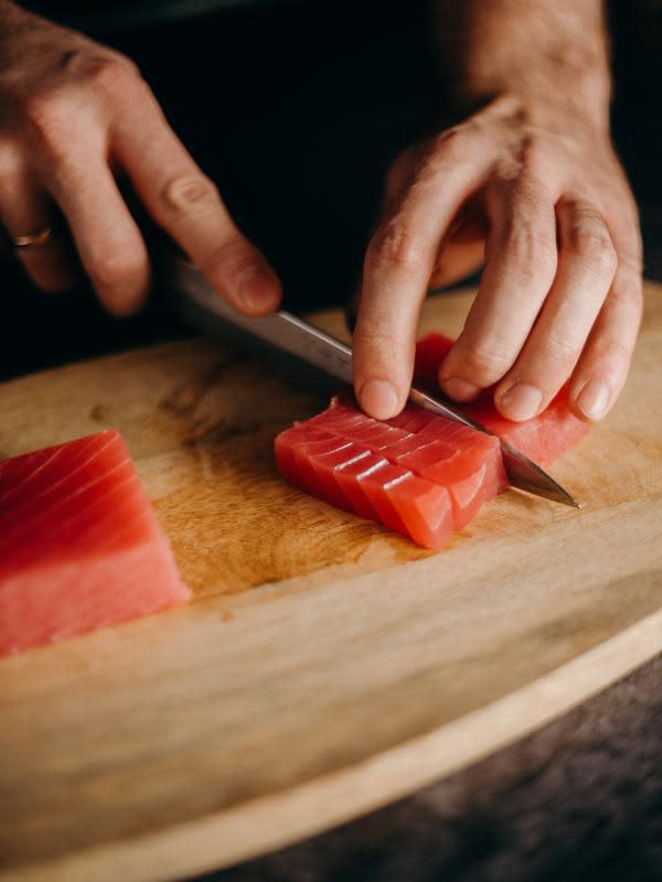 tuna | pexels.com/@cottonbro