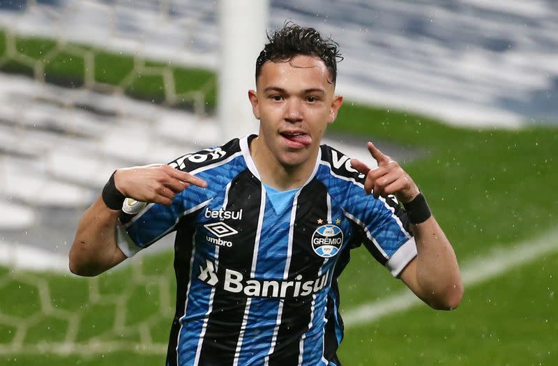 Honours even in Porto Alegre derby as teams draw 1-1