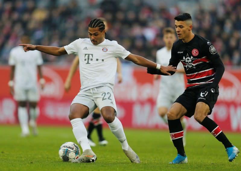 Bayern demolish Duesseldorf, Gladbach slip up at Union