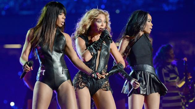 Destiny's Child Sings 'Bootylicious' During Beyoncé's Super Bowl Halftime Set