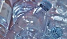 用寶特瓶裝水喝!小4妹皮膚狂流湯 月經提早來