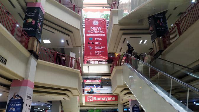 Suasana Bogor Trade Mall (BTM) menyambut new normal, Selasa (9/6/2020). BTM merupakan salah satu mal di Kota Bogor yang tutup selama tiga bulan untuk mencegah penularan Covid-19. (Liputan6.com/Achmad Sudarno)