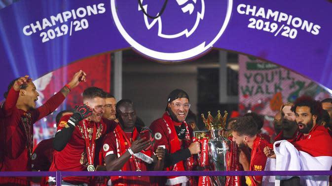 Mohamed Salah dkk juga memecahkan rekor juara Liga Inggris tercepat yaitu ketika masih menyisakan tujuh pertandingan lagi. (Laurence Griffiths, Pool via AP)
