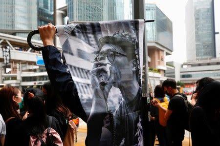 Pegiat pro-demokrasi Hong Kong ajukan banding terhadap hukuman sementara protes lain membayang