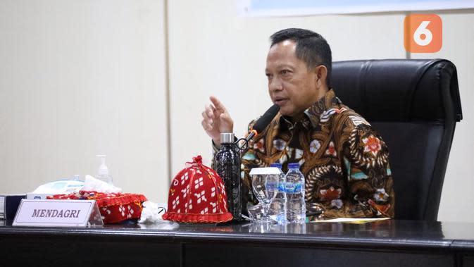 Mendagri, Tito Karnavian saat menghadiri Rakor Kesiapan Pilkada Serentak tahun 2020, di Kantor Gubernur Sulteng, Jumat (17/7/2020). (Foto: Humas Kemendagri).