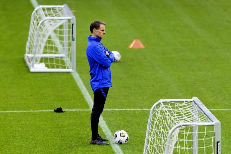 De Boer facing challenges ahead of Dutch debut