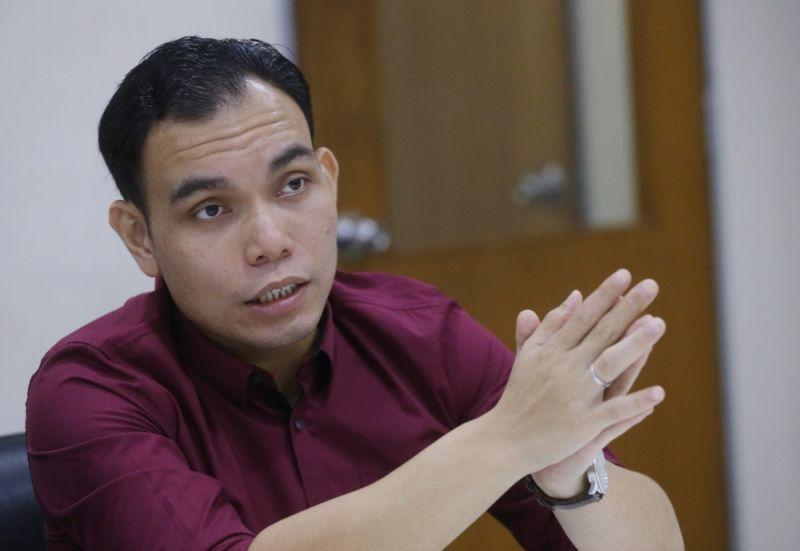 Syahredzan said the probe, which is held under Section 9(1) of the Peaceful Assembly Act (PAA 2012) and Section 4(1) of the Sedition Act, encroaches the rights of the organisers of the march. — Picture by Zuraneeza Zulkifli