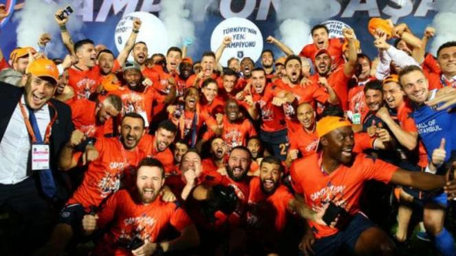 Istanbul Basaksehir juara Liga Turki 2019/20.
