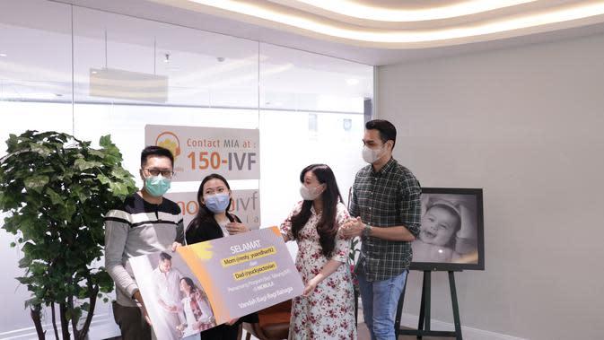 Asmirandah dan Jonas Rivanno. (Foto: Morula IVF Jakarta)