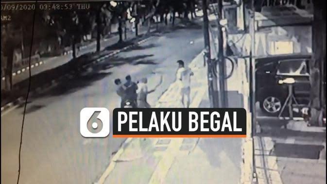 VIDEO: Detik-Detik Aksi Begal HP di Bogor Terekam CCTV