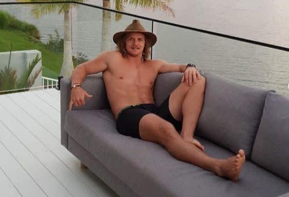 Nick Cummins the honey badger says he is single