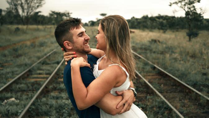 Ilustrasi kata-kata bijak cinta. (Photo by Orione Conceição on Pexels)