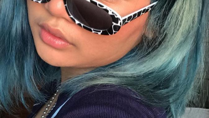 Potret Terbaru Davina Shafa Dengan Rambut Biru. (Sumber: Instagram/mimashafa)