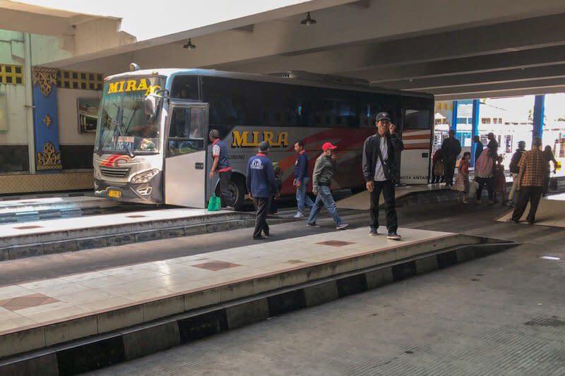 Penumpang di Terminal Bus Giwangan Yogyakarta turun 40 persen