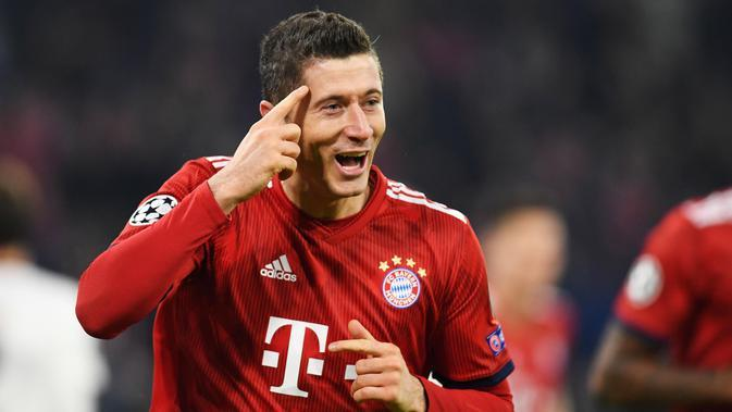 1. Robert Lewandowski (Bayern Munich) - 6 Gol (1 Penalti). (AFP/Christof Stache)