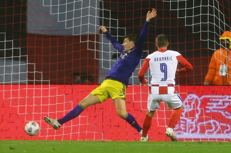 Late Kramaric strike earns Croatia win over Sweden