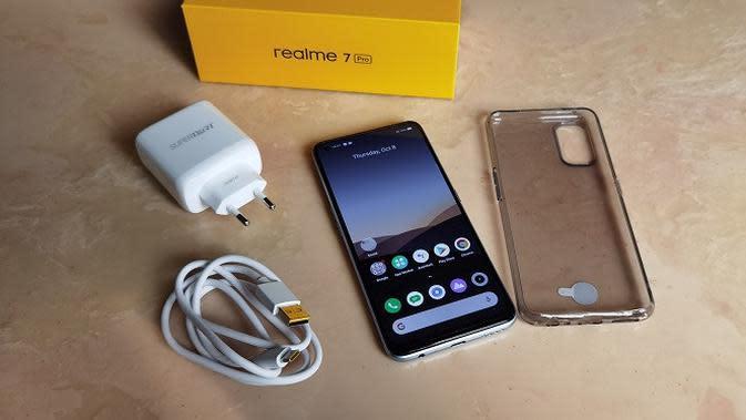 Boks Penjualan Realme 7 Pro (Liputan6.com/Agustinus M. Damar)
