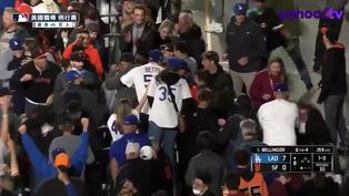 【MLB好球】Cody Bellinger跪地拉打 陽春彈砲轟巨人牛棚