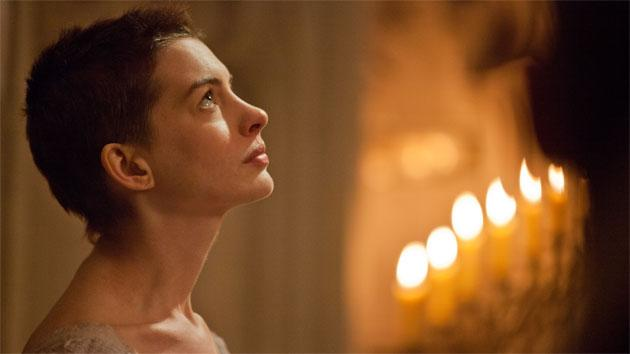 Yahoo! Movies Original: 'Les Miserables' star Anne Hathaway calls Hugh Jackman naughty and Russell Crowe wicked