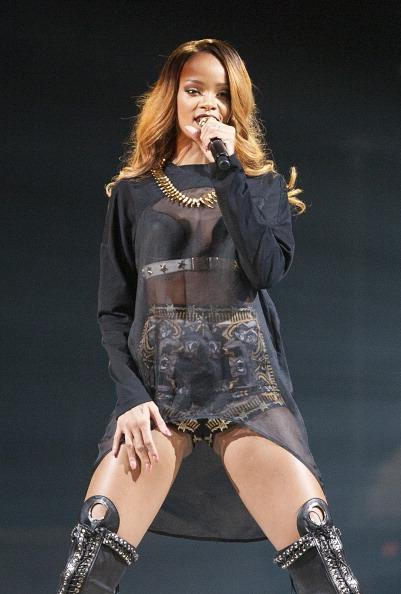 Rihanna Angers Boston Fans After Making Them Wait for Hours with No Opening Act
