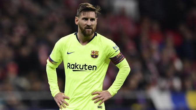 Ekspresi Striker Barcelona, Lionel Messi, saat melawan Atletico Madrid pada laga La Liga di Stadion Wanda Metropolitano, (24/10/2018). (AFP/Javier Soriano)