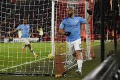 10 pemain Arsenal imbangi Chelsea dengan gol di akhir pertandingan