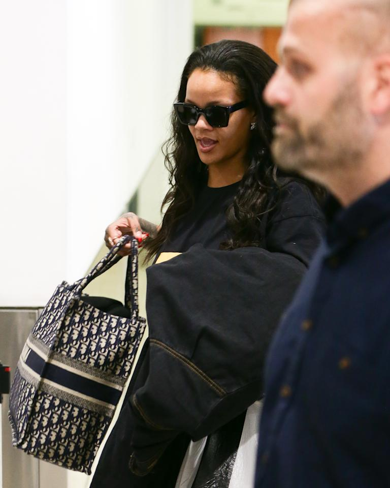<p>While the star hasn't revealed what her plans are in Australia, she's just finished showing off her cosmetic products at exclusive events in Dubai and Singapore.<br />It's believed she will be attending another in Sydney this week.<br />Photo: Mega </p>