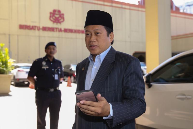 Datuk Seri Ahmad Maslan arrives at Umno's headquarters in Kuala Lumpur February 25, 2020. — Picture by Yusof Mat Isa