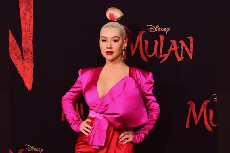 Christina Aguilera sempat diminta ganti nama, kenapa?