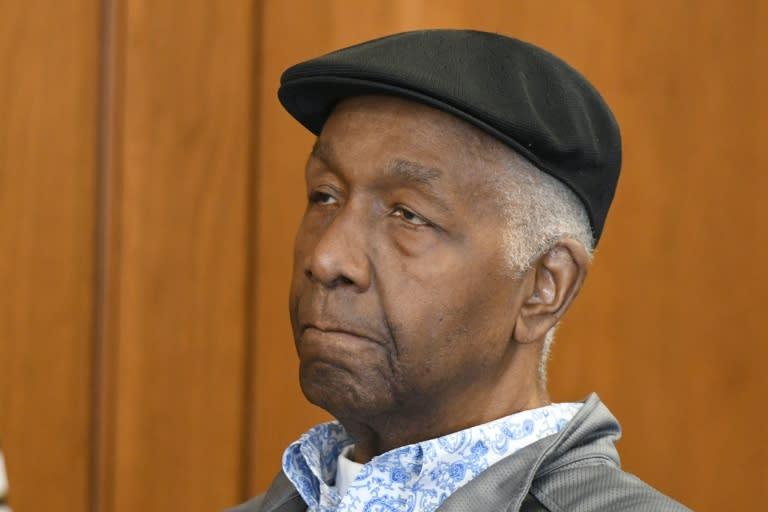 Trailblazing college hoops coach Thompson dies at 78