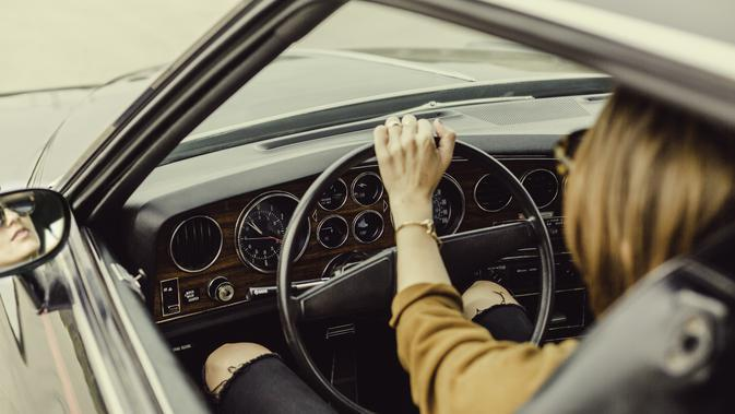 Ilustrasi menyetir mobil | pixabay.com