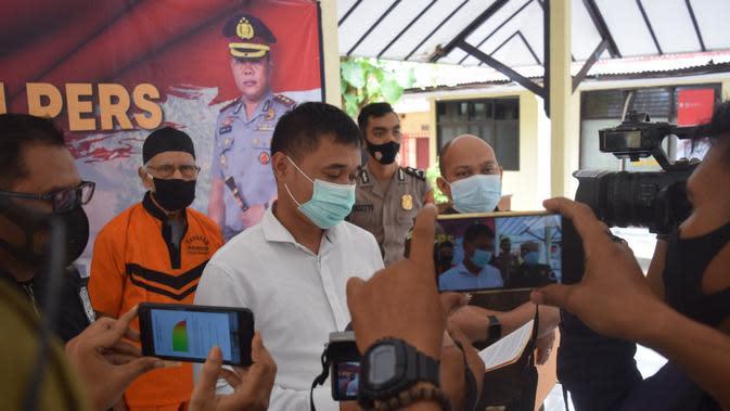 Polres Pemalang menangkap dua tersangka korupsi pupuk bersubsidi usai buron 6 tahun. (Foto: LIputan6.com/Humas Polres Pemalang)
