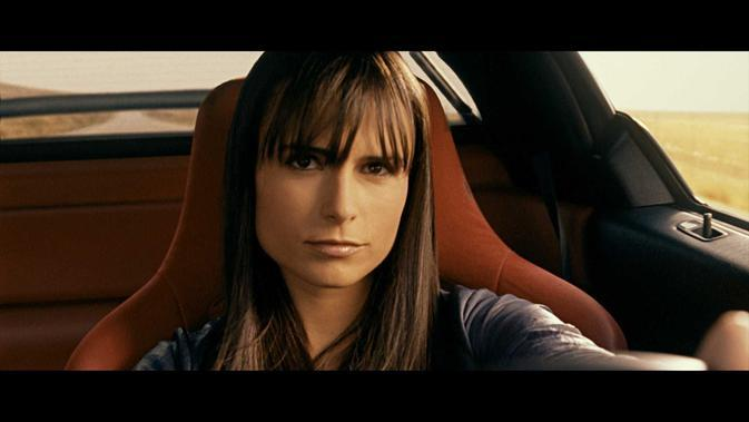 Jordana Brewster dalam Fast and Furious. (Universal Pictures)