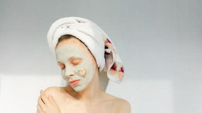 ilustrasi cara membuat masker wajah dari sayuran yang cukup unik dan bisa mencerahkan wajah/ashshkna/shutterstock