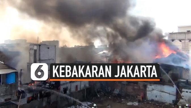 VIDEO: Kebakaran Rumah Semi Permanen Kawasan Kalibaru Jakpus