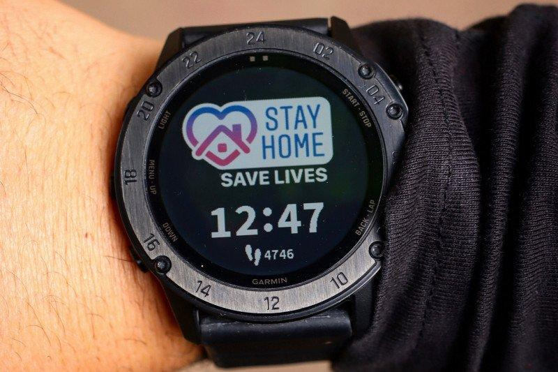Smartwatch pendeteksi dini COVID-19 sedang diteliti
