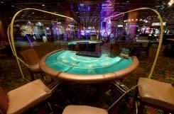 Las Vegas terkoyak oleh virus ketika kasino menuntut dibuka kembali