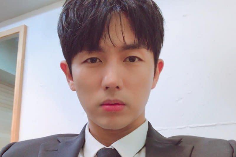 Im Seulong 2AM terlibat kecelakaan mobil yang tewaskan satu orang
