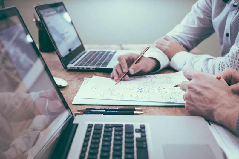投資、金融、商務、商人、經紀人(圖/pixabay)