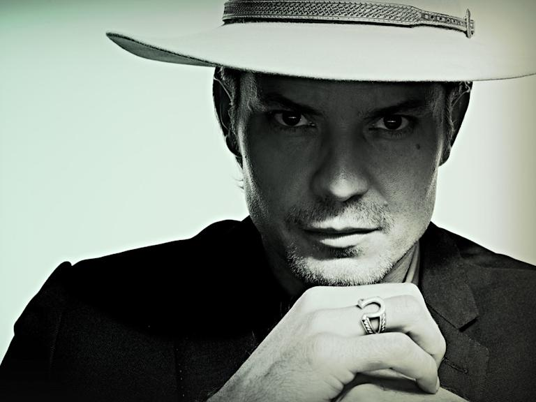 Justified (FX, 1/8)