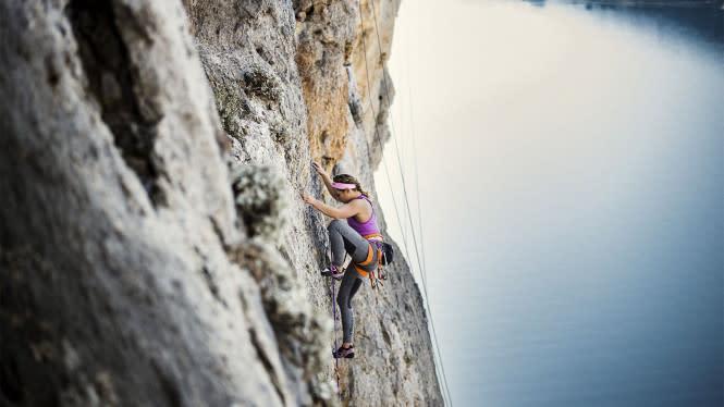 Bertemu dengan Dewi, Pendaki Wanita Serba Pucat di Gunung Arjuno