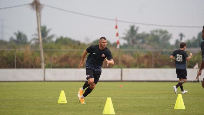 Persija mulai berlatih di Lapangan PSSN, Depok, Senin (14/9/2020). (Media Persija).