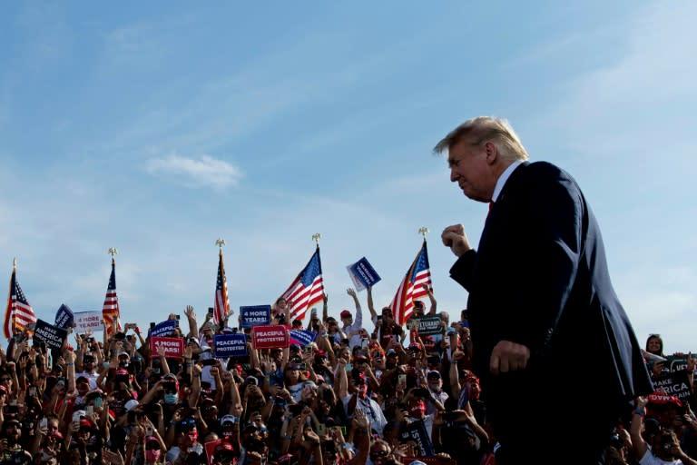 Trump stumps in Florida, Georgia, countering signs of Democratic surge