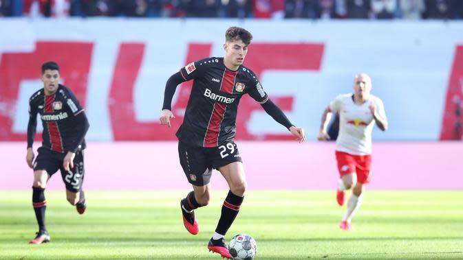 Pelatih Bayer Levekusen, Peter Bosz, yakin Kai Havertz tak akan bergabung dengan Chelsea pada bursa transfer musim panas ini. (AFP/Ronny Hartmann)