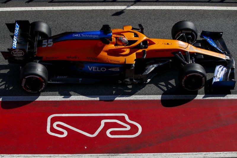 Duet pebalap McLaren berlatih dengan mobil F3 di Silverstone