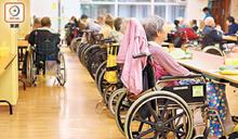 羅致光:安老業缺人 工會斥轉職零支援
