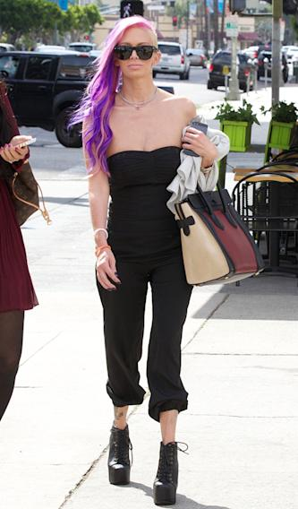 **EXCLUSIVE** Jenna Jameson is seen exiting a cafe with friends before visiting the offices of civil rights power attorney, Gloria Allred