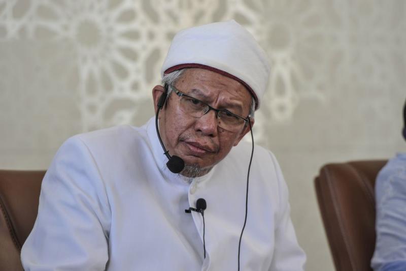 Datuk Seri Zulkifli Mohamad speaks at the Tuanku Mizan Mosque in Putrajaya March 12, 2020. — Picture by Shafwan Zaidon