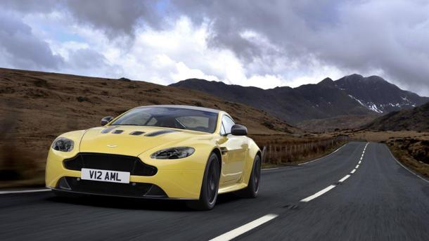 Aston Martin V-12 Vantage S sparks refined beauty and 565 hp, kills its stick